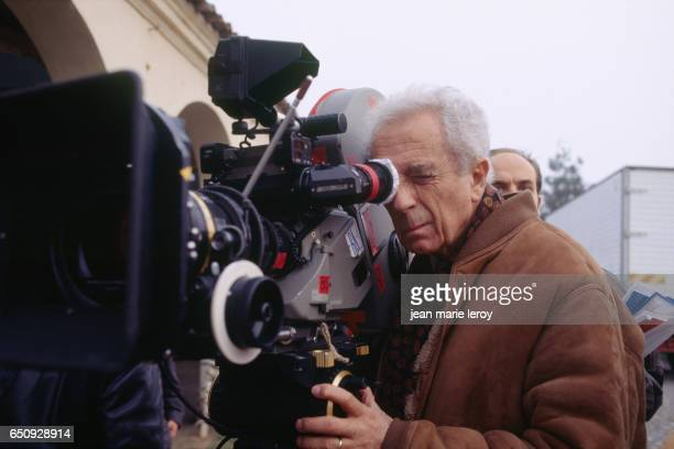 Italian director and screenwrter Michelangelo Antonioni on the set of the film he directed with director screenwriter producer and actor Wim Wenders...