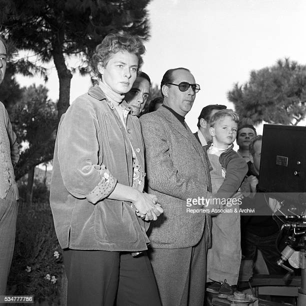 Italian director Roberto Rossellini and Swedish actress Ingrid Bergman shooting the thrid episode the film We the Women dedicated to Bergman on the...