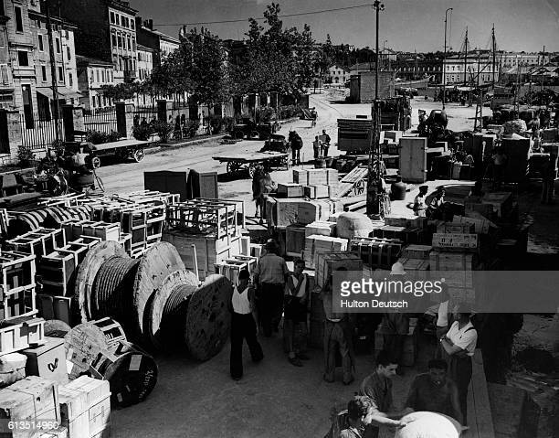 Italian families packed their belongings to leave the port of Pola in Istria NeneziaGuilia as they do not wish to live under Yugoslav rule Taken to...