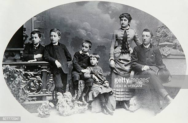 Italian family at the beginning of 20th century photograph Italy 20th century
