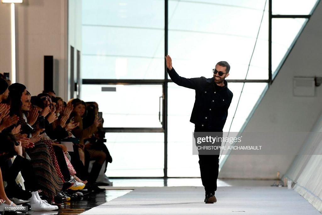 Fashion-France-FASHION-FRANCE-GIAMBATTISTA VALLI : News Photo