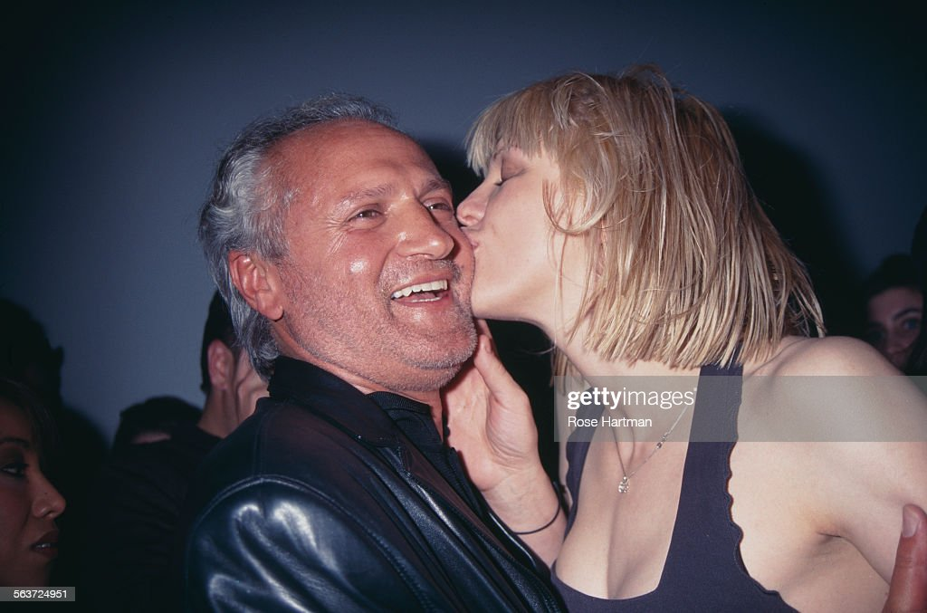 Gianni Versace And Courtney Love : News Photo