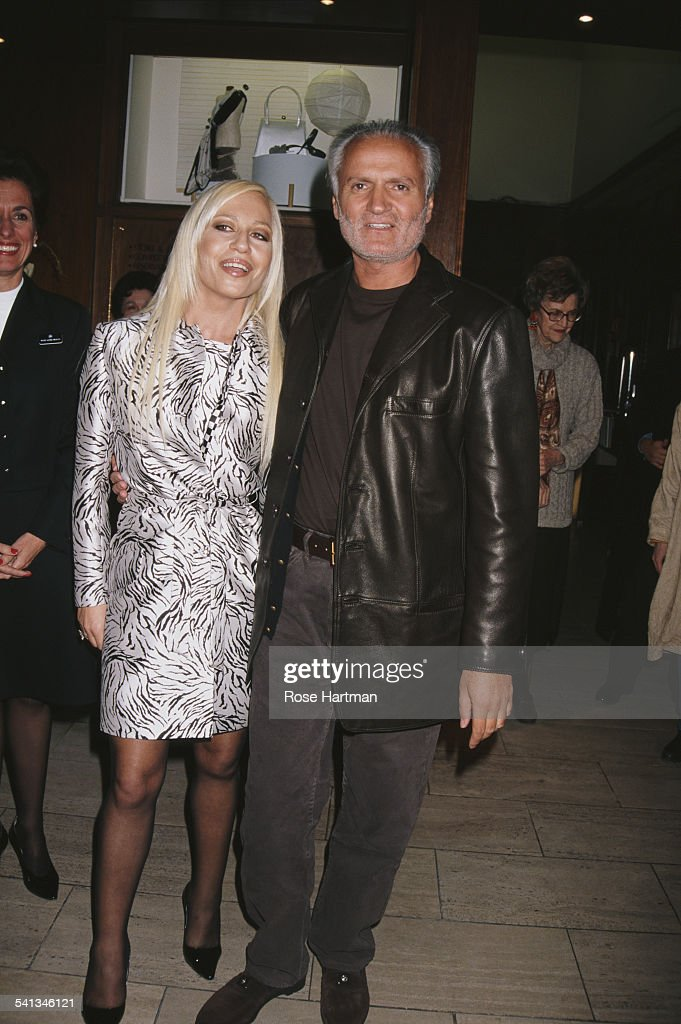 Famoso Gianni And Donatella Versace Pictures | Getty Images DC22