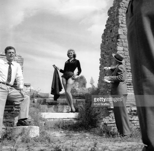 Italian film actress Sophia Loren on location at Ostia Antica for the filming of 'La Fortuna di Essere Donna'