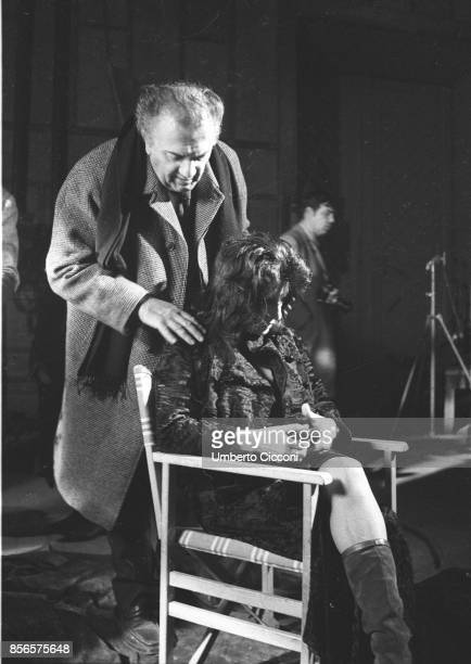 Italian film director Federico Fellini directing Italian actress Anna Magnani during the movie 'Roma Rome 1971