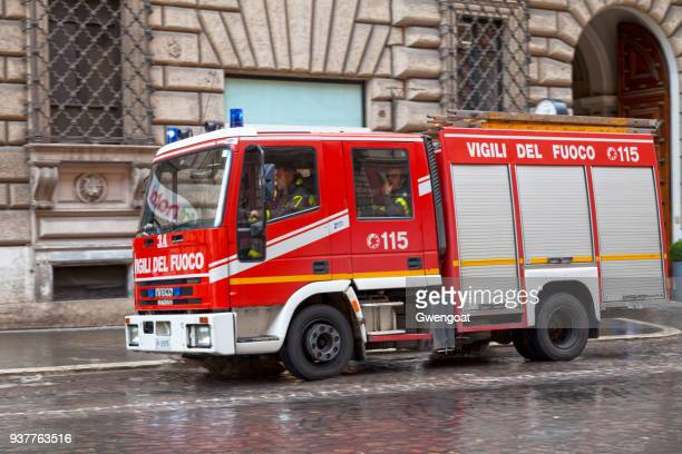 italian fire engine - gwengoat stock pictures, royalty-free photos & images