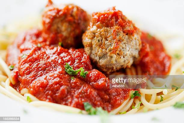 italian food: plate of spaghetti with meatballs - alina stock pictures, royalty-free photos & images