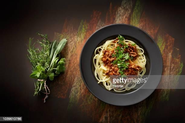 イタリア料理: スパゲッティ ボロネーゼ静物 - コース料理 ストックフォトと画像