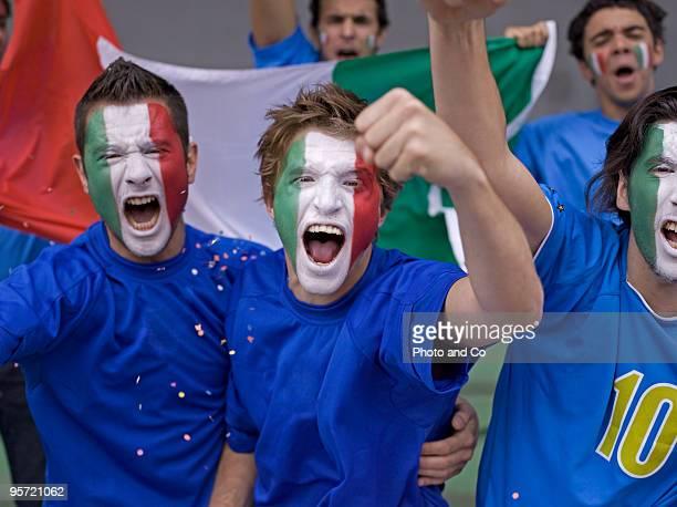italian football fans - cultura italiana foto e immagini stock