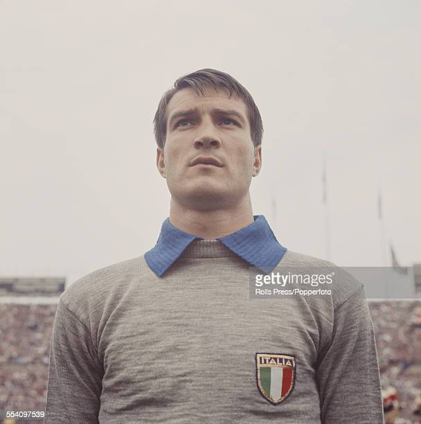 Italian footballer and goalkeeper for the Italian national team Enrico Albertosi lines up before the international game against Argentina in the...
