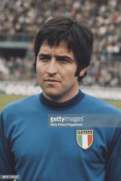 Italian footballer and midfielder with Fiorentina Giancarlo De Sisti lines up prior to playing for the Italy national football team in an...