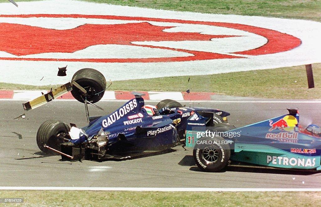 Italian Formula One driver Jarno Trulli (L) and Fr : Nachrichtenfoto