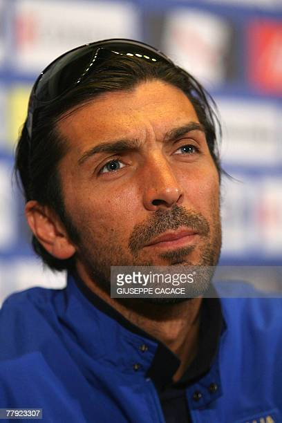Italian goalkeeper Gianluigi Buffon gives a press conference at Coverciano training center, in Florence 15 November 2007. The Italian national team...