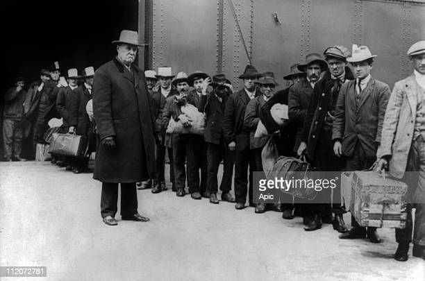 Italian immigrants from boat 'SS Prinzess Irene' arriving in Ellis Island june 1911