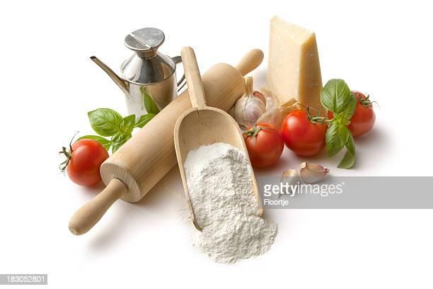 Italian ingredientes: Harina, tomate, ajo, albahaca y parmesano y aceite de oliva