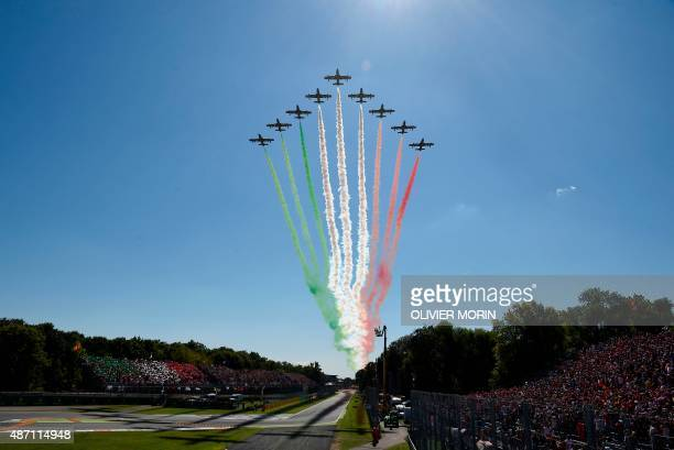 Italian jets perform ahead of the Italian Formula One Grand Prix at the Autodromo Nazionale circuit in Monza on September 6, 2015. AFP PHOTO /...