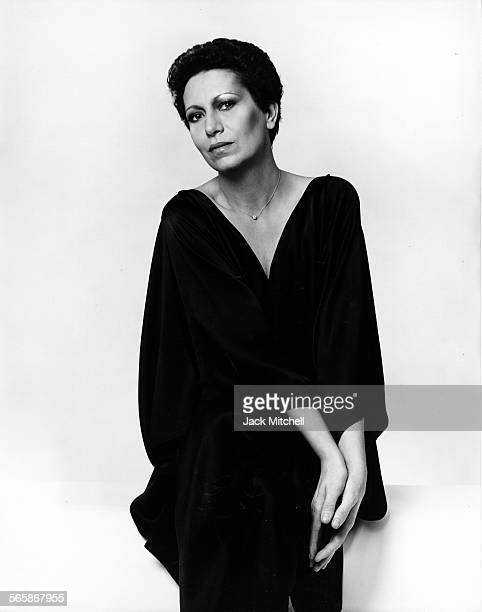 Italian jewelry designer Elsa Peretti, 1977. Photo by Jack Mitchell/Getty Images.