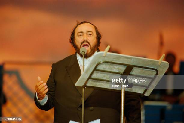 Italian opera singer Luciano Pavarotti performs live on stage during a Pavarotti & Friends benefit concert for the Children of Bosnia in Modena,...