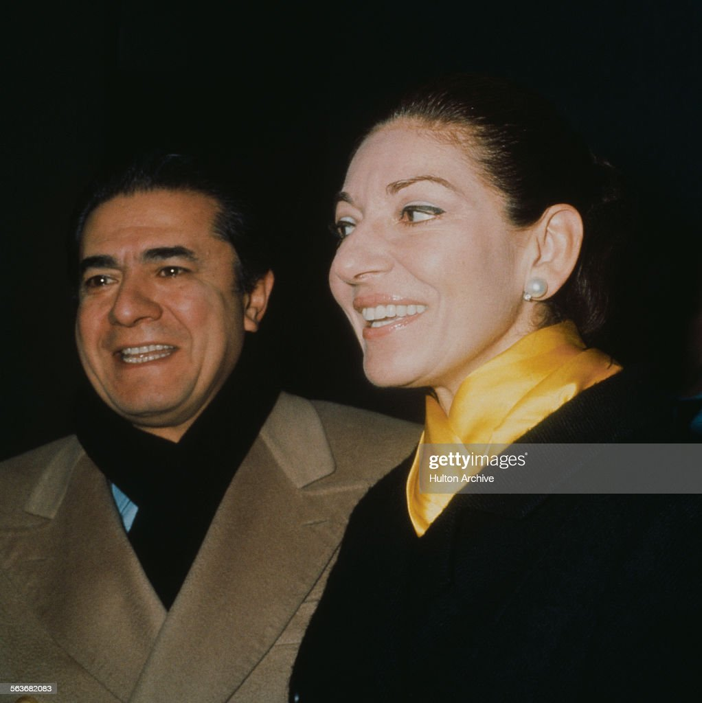 Italian operatic tenor Giuseppe Di Stefano (1921 - 2008) and American-born Greek soprano Maria Callas (1923 - 1977) during a joint tour, London, November 1973. The tour ended in 1974 and was Callas' last.