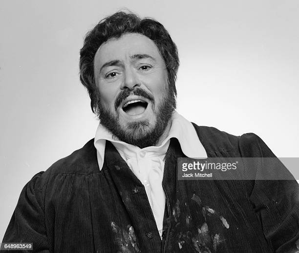 Italian operatic tenor Luciano Pavarotti photographed in New York City in September 1985. Photo by Jack Mitchell/Getty Images.