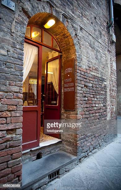 italiano osteria ingresso - fotofojanini foto e immagini stock