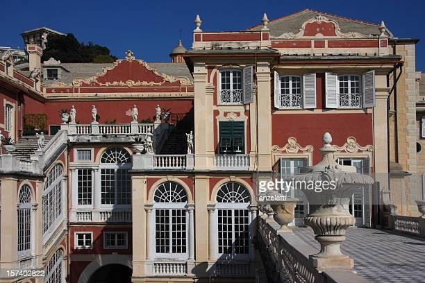 イタリアの宮殿 - イタリア ジェノヴァ ストックフォトと画像