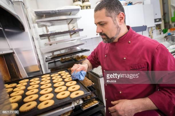 Italian pastry making patisserie baking confectioner: baking cookies