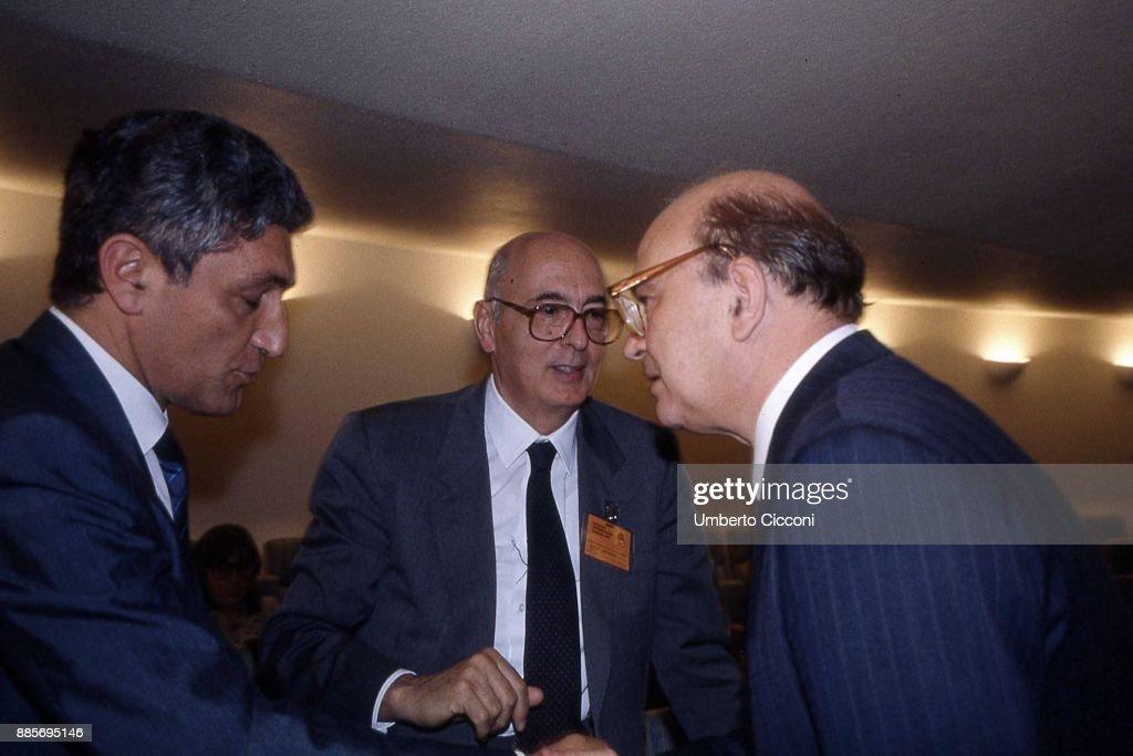 Italian politician Bettino Craxi is with politicians Giorgio Napolitano and Antonio Bassolino at the Socialist International (SI) in Berlino 1990.
