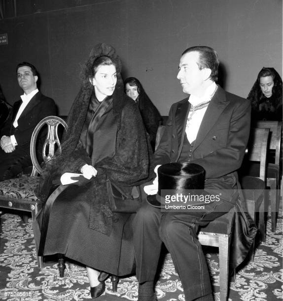 Italian politician Giulio Andreotti with his wife Livia Danese for a religious ceremony at the Vatican 12th March 1964 It is the opening ceremony for...