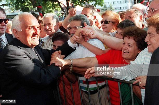 Italian President Oscar Luigi Scalfaro receives a warm welcome from the Italian community of Montreal, Canada 27 June. Scalfaro is on an official...
