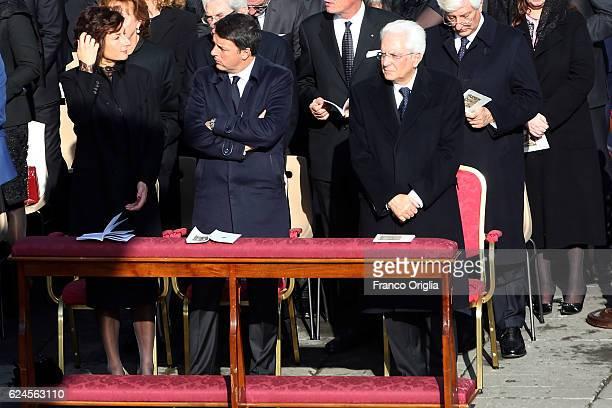 Italian President Sergio Mattarella Italian Prime Minister Matteo Renzi and his wife Agnese Renzi attend the closing of the Jubilee of Mercy in St...