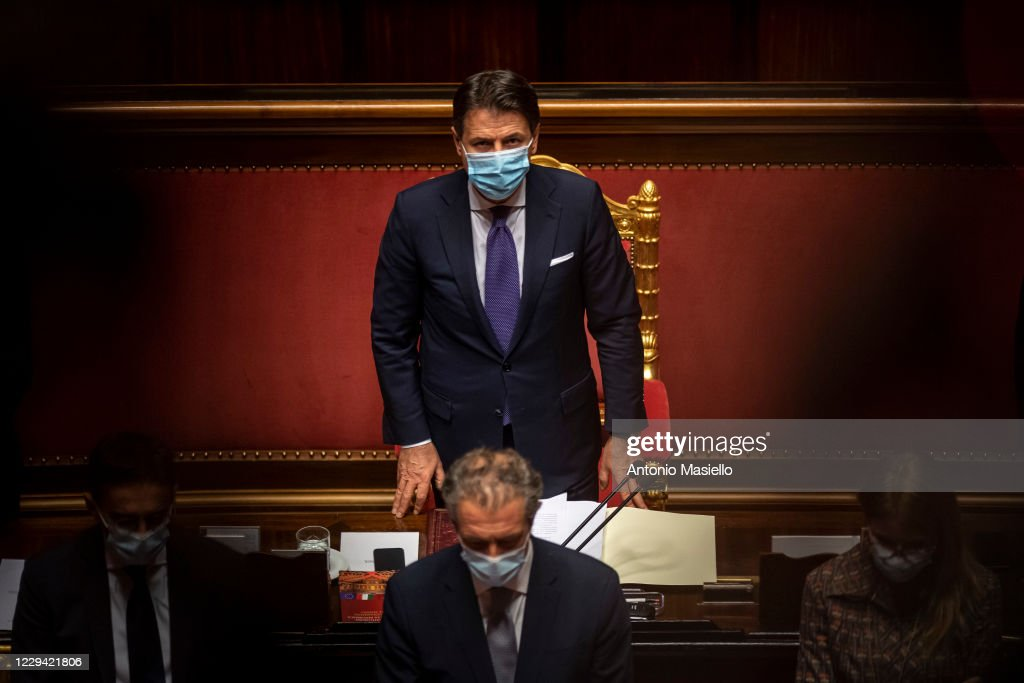 Prime Minister Giuseppe Conte Reports To The Senate On The New Covid-19 Measures : ニュース写真
