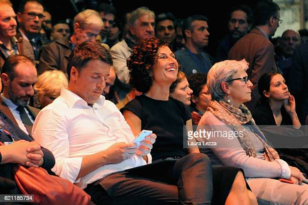 Italian Prime Minister Matteo Renzi and his wife Agnese Renzi attend the meeting of the Leopolda 2016 on November 4 2016 in Florence Italy The...