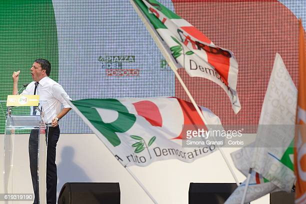Italian Prime Minister Matteo Renzi speaks during the demonstration of the Democratic Party in the Piazza del Popolo to vote Yes to the...