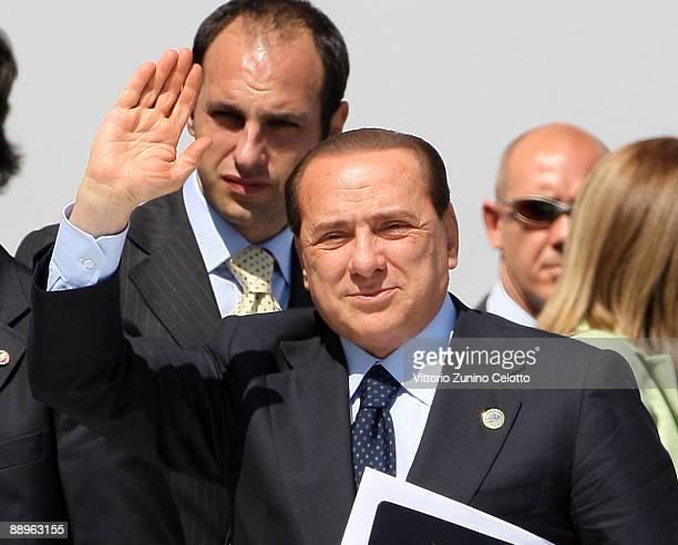 L'AQUILA ITALY JULY 10 Italian Prime Minister Silvio Berlusconi arrives for a meeting of the G8 Summit at the Guardia Di Finanza School of Coppito on...