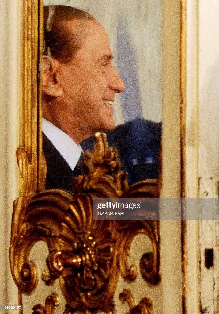 Italian Prime Minister Silvio Berlusconi : Nieuwsfoto's