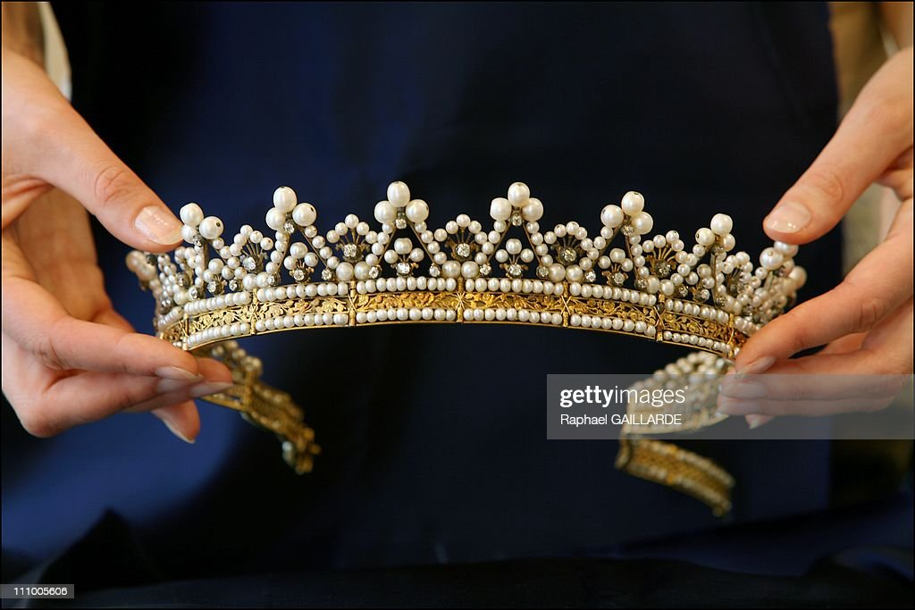 Italian Queen Marie-Jose sells her jewels in Christie's, London in Paris, France in May, 2007. : News Photo