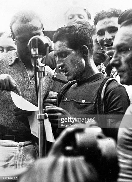 Italian racing cyclist Gino Bartali making a speech after winning the Tour de France 31st July 1938