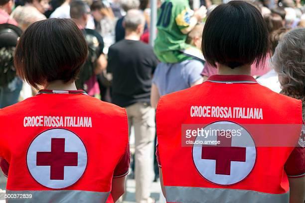 クロウチ rossa によるイタリアンます。 カラー画像 - 赤十字社 ストックフォトと画像
