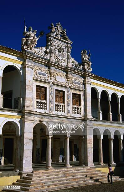 italian renaissance styled universidad de evora. - universidad stock pictures, royalty-free photos & images