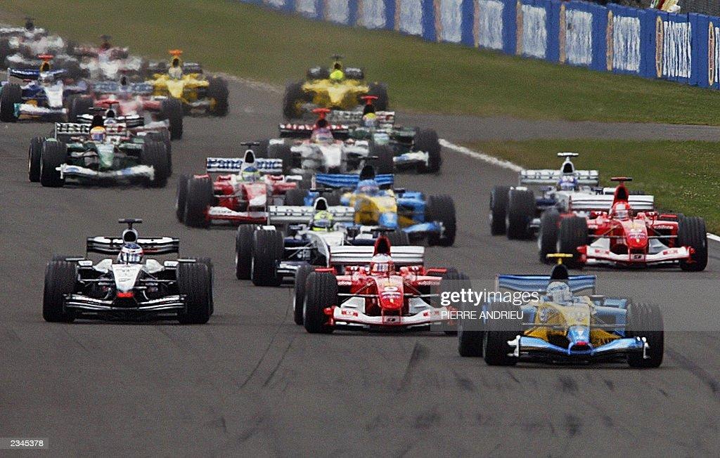 Italian Renault driver Jarno Trulli lead : News Photo
