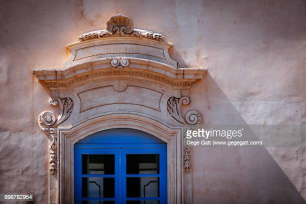 italian rustic window in note, sicily - sicily stock pictures, royalty-free photos & images