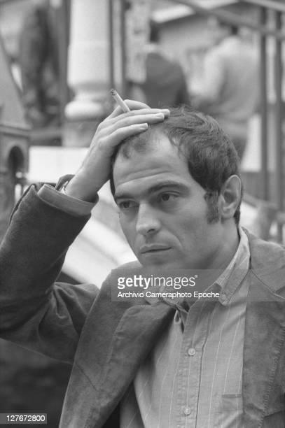 Italian sculptor Mario Ceroli smoking Venice 1966