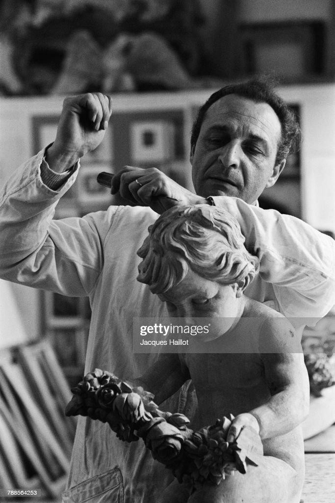 Italian sculptor Vincenzo Fancelli in his workshop.