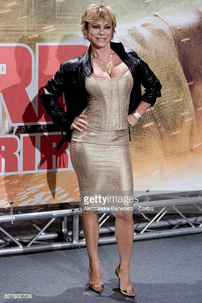 Italian showgirl Carmen Russo attends the premiere of the movie Live Free or Die Hard in Rome