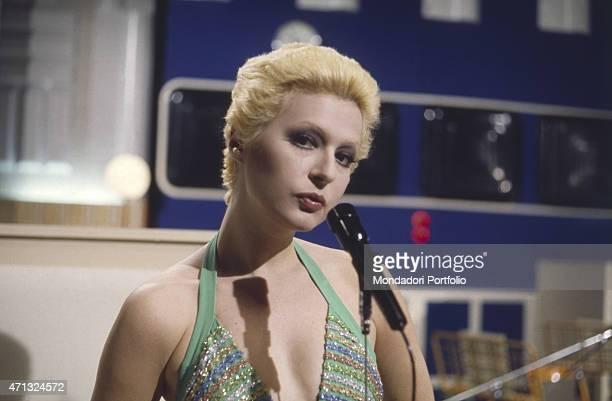 Italian showgirl Loretta Goggi performing at TV variety show Formula due singing the song Raindrops Keep Fallin' on My Head 1973