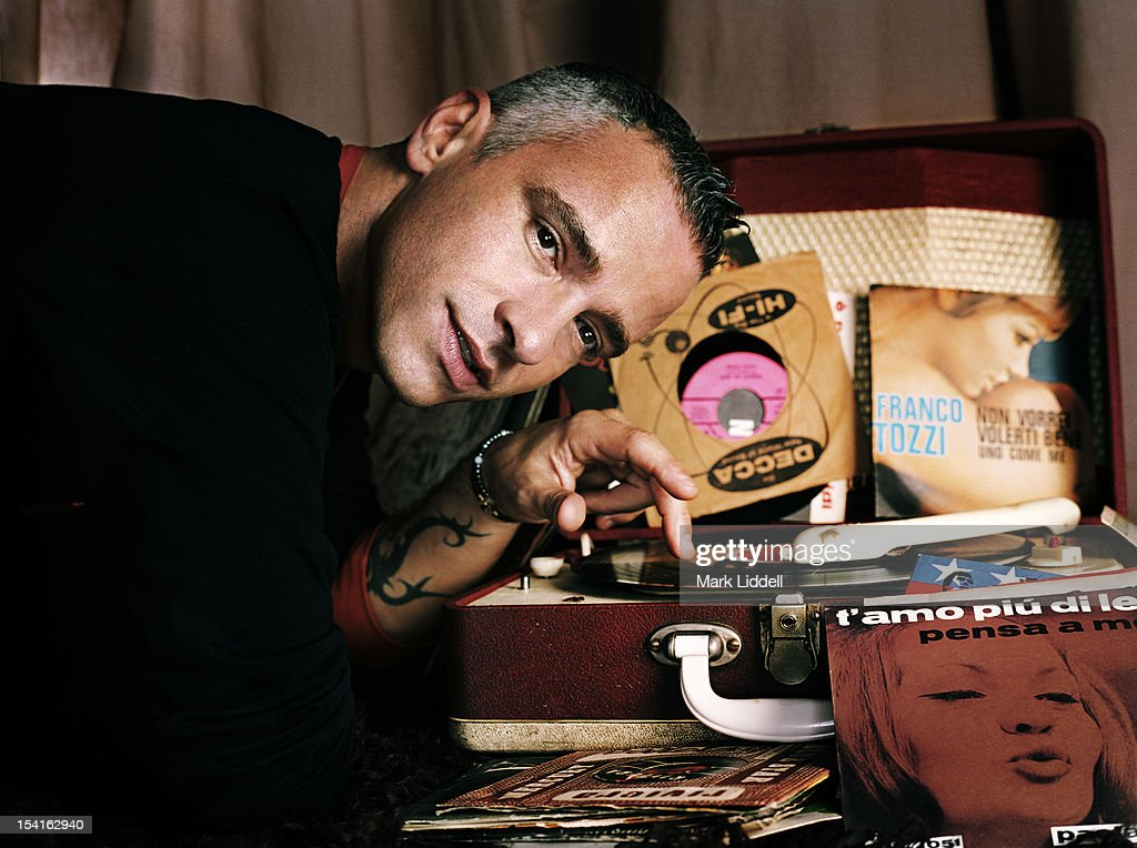 Eros Ramazzotti, Vanity Fair Italy, November 17, 2005 : News Photo