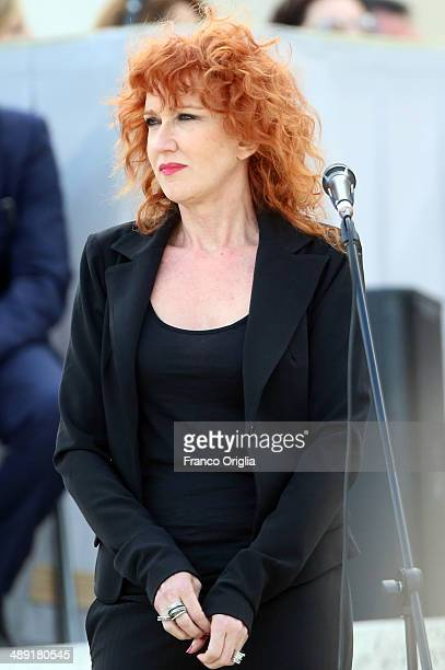 Italian singer Fiorella Mannoia performs during a meeting with Pope Francis and students of Catholic schools in St Peter's Square on May 10 2014 in...