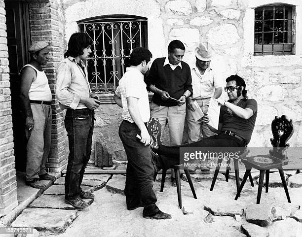 Italian singer Fred Bongusto, born Alfredo Antonio Carlo Buongusto, guest in his parents' house in Molise, chats with some friends and relatives...