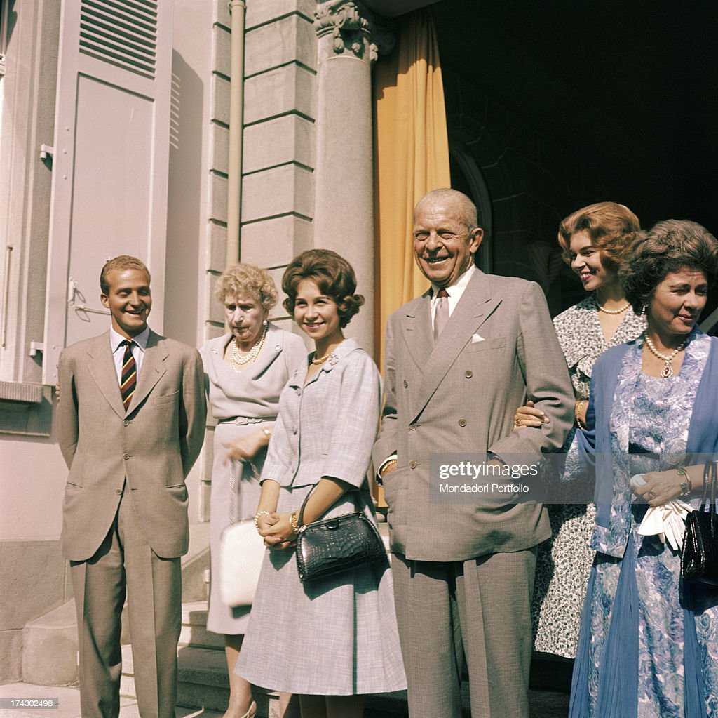 The Prince Of Asturias Juan Carlos And The Princess Of Greece Sophia Together With Some Of Their Rel : News Photo